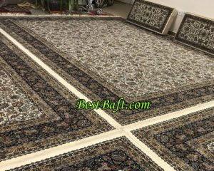 فرش افشان کرمی گل مرغی